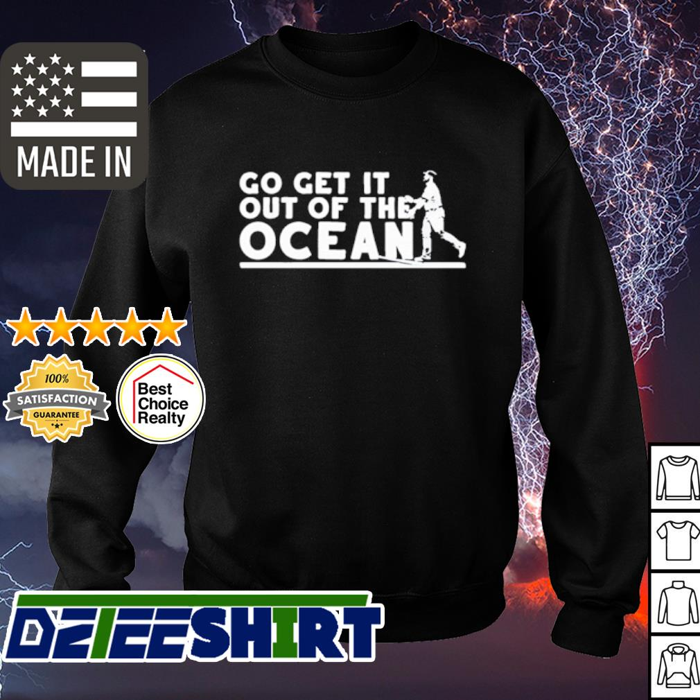 Max Muncy go get It out of the ocean s sweater